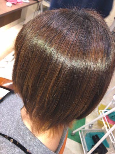 キラ髪:aun-fix アシスタントの高根です😁元々癖毛があってハネやすかったり襟足がうねったりというのが悩みでしたが、キラ髪をしたおかげで悩みが改善されました💓