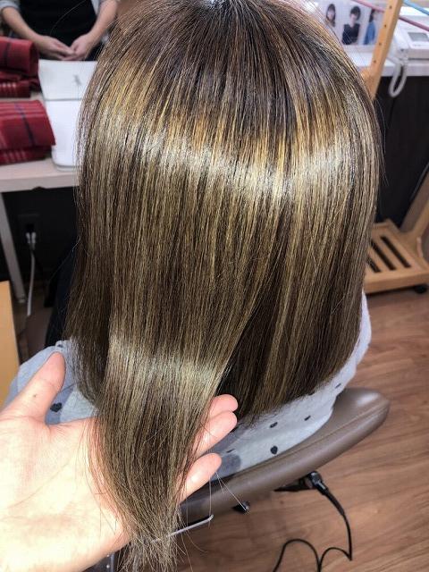 キラ髪:本店の玉代勢です(´ω`*)私の髪の毛は太くて、多くて、ボリュームが出てしまうのが悩みでしたが、キラ髪をやったら気になるボリュームがダウンしてツヤツヤになりました(`・ω・´) これからの梅雨の時期も楽ちんです♪♪