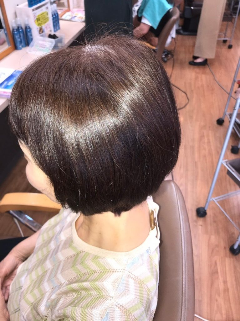 """キラ髪:キラ髪は、あらゆるダメージ、縮毛、くせ毛を含め髪を芯から改善・補修し、くり返しても傷まず""""回復""""をテーマにした健髪ストレートづくりのシステムです♪"""