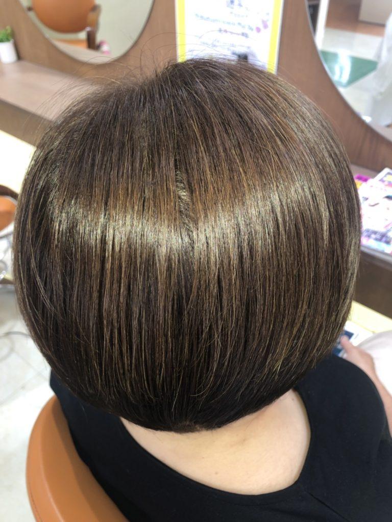 キラ髪:よくいただく質問10:自宅でのオススメの商品はありますか?この技術商品でも使用している毛髪改善剤を配合した「濃密プレミアムシャンプー」「濃密プレミアムトリートメント」と流さない保湿エッセンスの「薬用ヘアパック」がオススメです♪