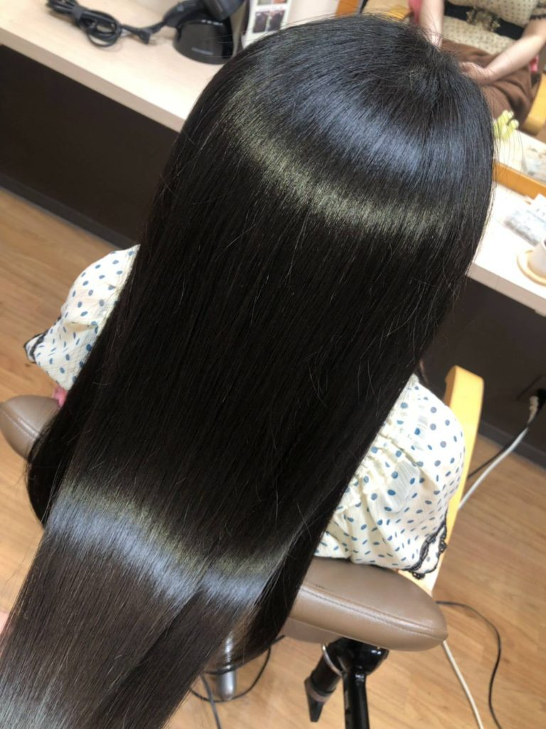 キラ髪:うねりや広がりの原因であるダメージ部分から、髪の内部にたっぷりの栄養を入れてあげることで髪の質感が劇的にUP‼️繰り返すたびに本来の美しい髪を蘇らせます。