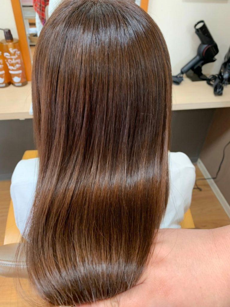キラ髪★富士市より、初めてご来店のお客様♡キラ髪と一緒にカラーも施術させて頂きました。  カラーが染まる為に必要な髪のアミノ酸・水分・油分・システィンを髪の内部に補給し改善しているので、カラーがより一層色鮮やかに染まりました!